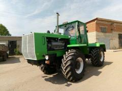 Tractor T-150 with the engine YAMZ-236М2